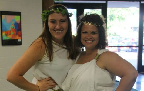 MHS Spirit Week: Toga Tuesday