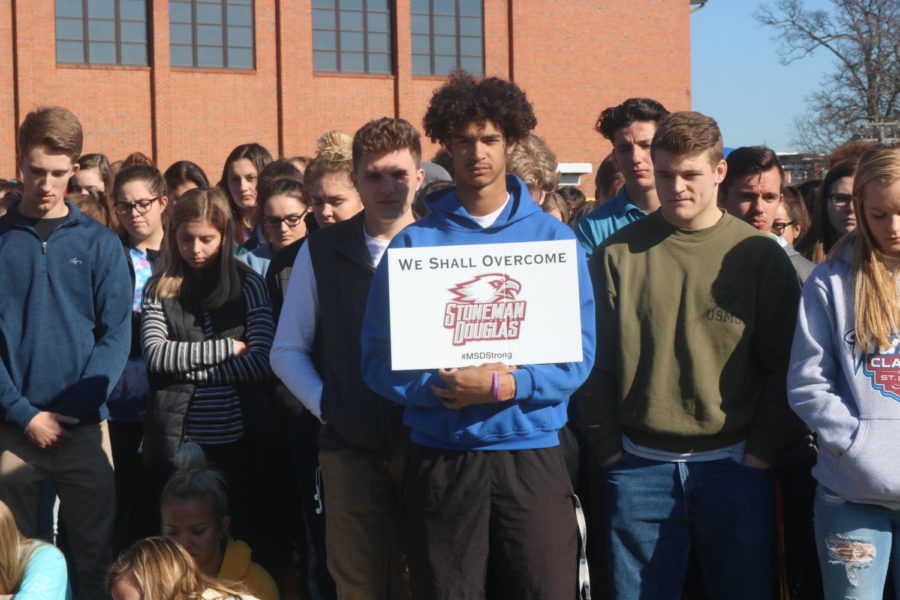 Students+of+Mehlville+attend+a+nationwide+memorial+movement