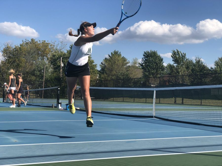 Piskulic+plays+singles+at+district+finals+against+Oakville+by+Erionnia+Garner