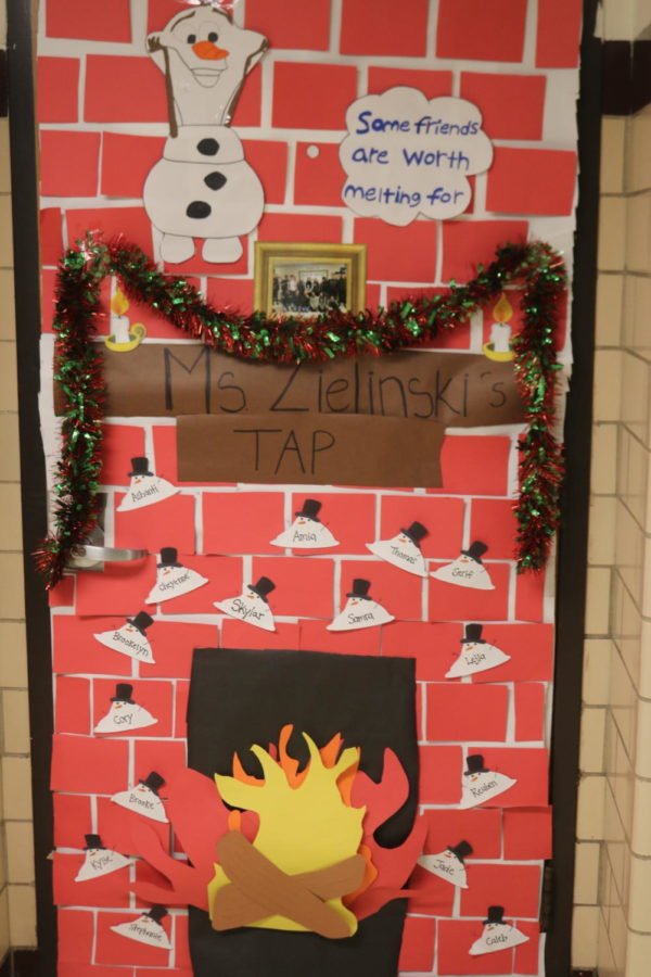 Door Decorating Entry: Room 130 Ms. Zielinski