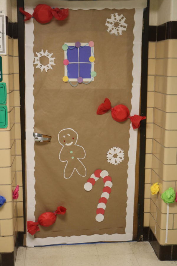 Door Decorating Entry: Room 310 Mrs. Puldlowski and Mrs. Newsom