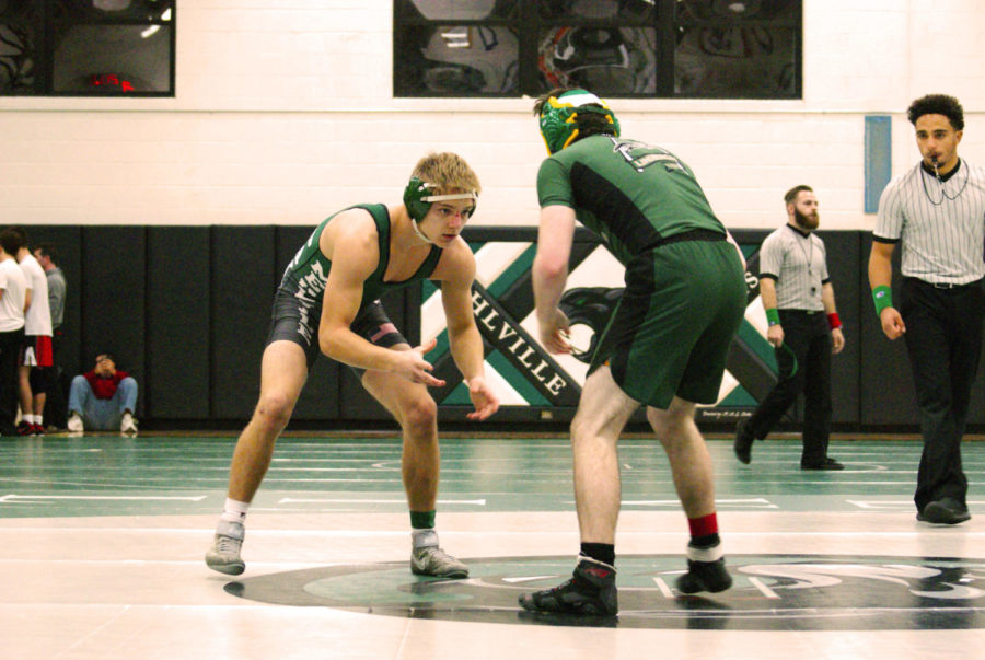 Senior+Tristin+Wilder+face+to+face+with+Lindbergh+opponent.+