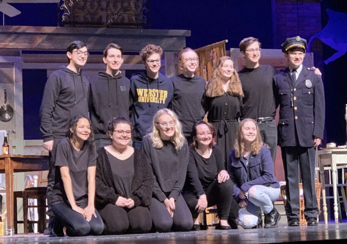 Alyssa+and+Abby+with+their+fellow+theater+technicians+for+A+Streetcar+Named+Desire.+